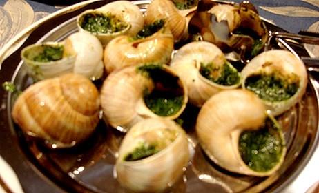 Alguien ha comido caracoles subdivx for Platos franceses