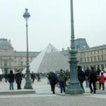 la pirámide del Louvre,  de París